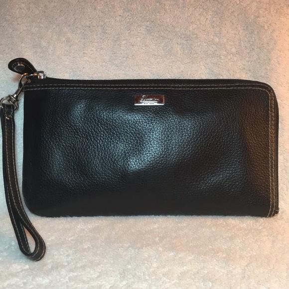 Buxton Handbags - 🍒 BUXTON Westcott RFID Corner Zip Wallet/Wristlet